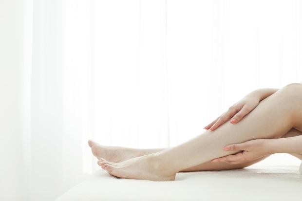 足の黒ずみとくすみを除去するのにおすすめのスキンケア